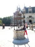 Kooky pants lady, Chateau Chenonceau.  I adore her.